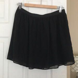 Black elastic-band mini skirt